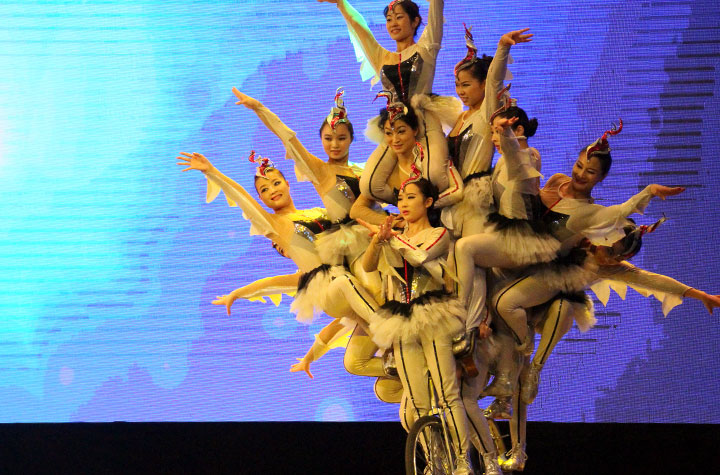 Chaoyang Theater Acrobatic Show